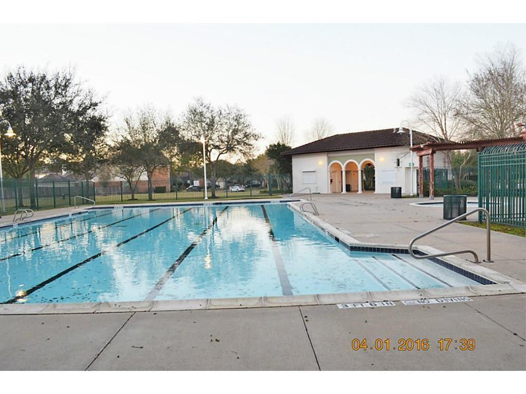 Active | 5125 Carefree Drive League City, Texas 77573 34