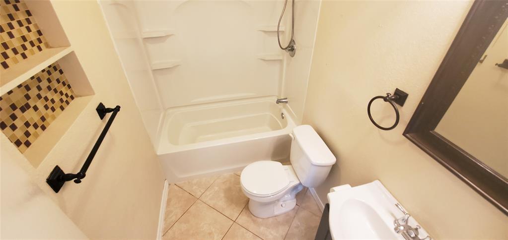 Active Option Contract | 2565 N Willis Street Abilene, Texas 79603 3