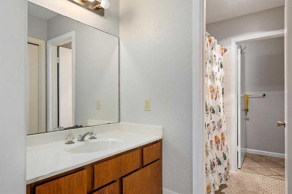 Pending | 101 Clearday Drive #102 Austin, TX 78745 15