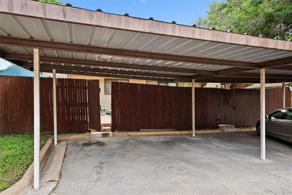 Pending | 101 Clearday Drive #102 Austin, TX 78745 18