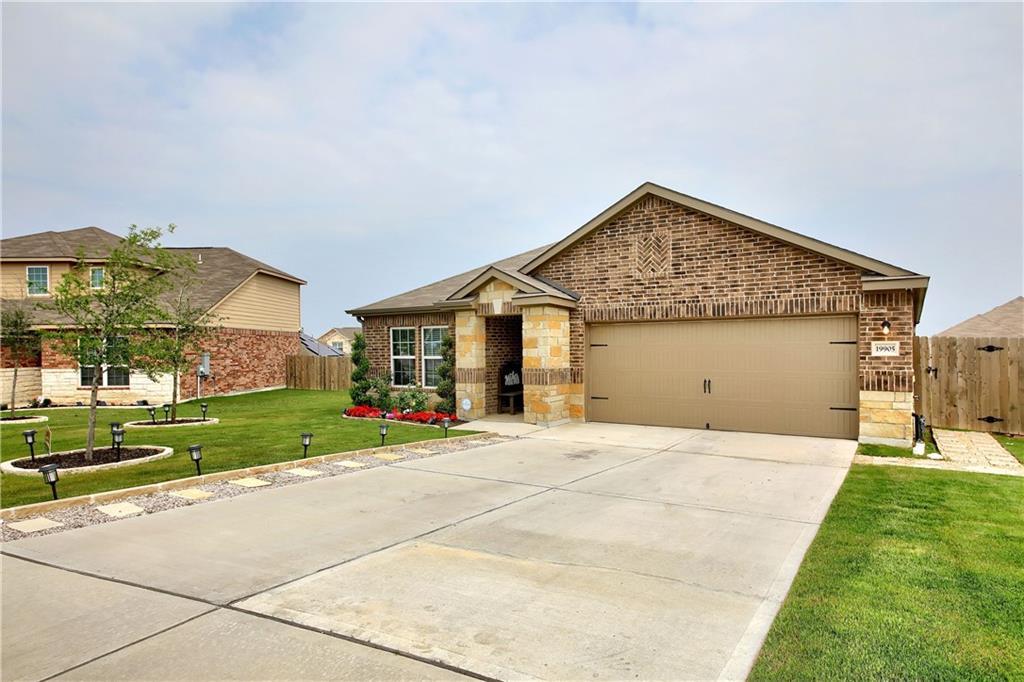 Closed   19905 Hubert R Humphrey Road Manor, TX 78653 3