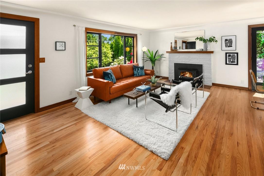 Sold Property | 11033 10th Avenue SW Seattle, WA 98146 4