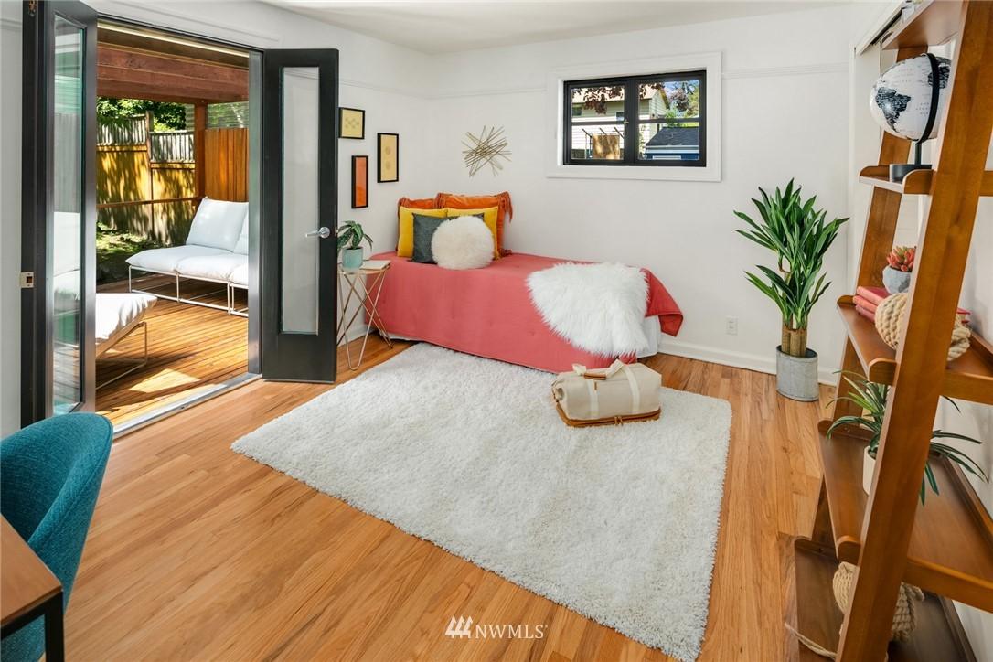 Sold Property | 11033 10th Avenue SW Seattle, WA 98146 13