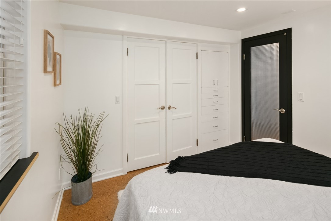 Sold Property | 11033 10th Avenue SW Seattle, WA 98146 24