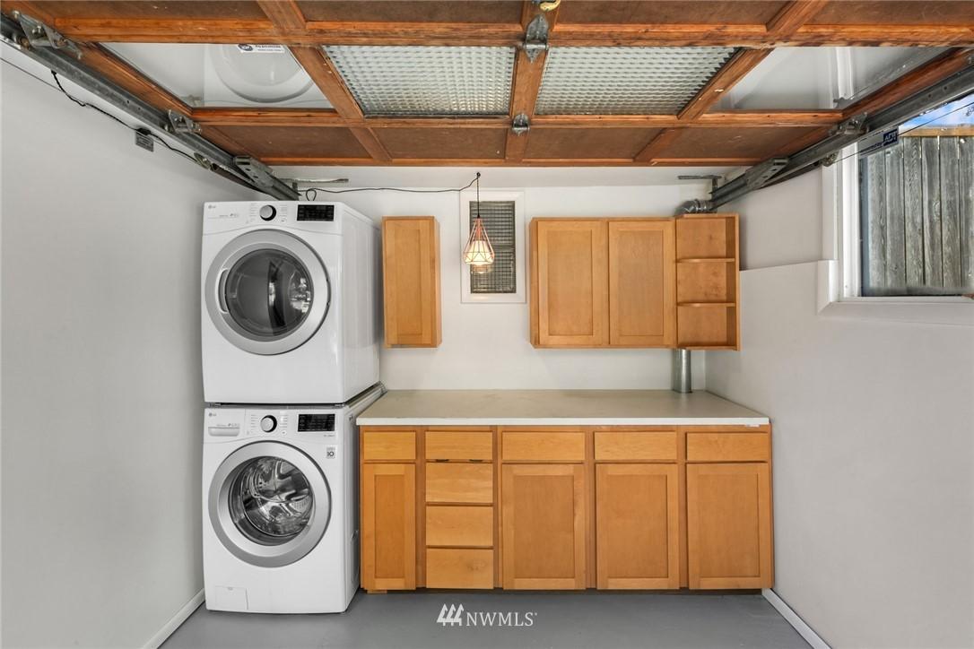 Sold Property | 11033 10th Avenue SW Seattle, WA 98146 27