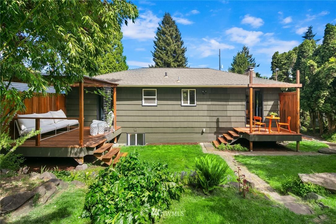 Sold Property | 11033 10th Avenue SW Seattle, WA 98146 30