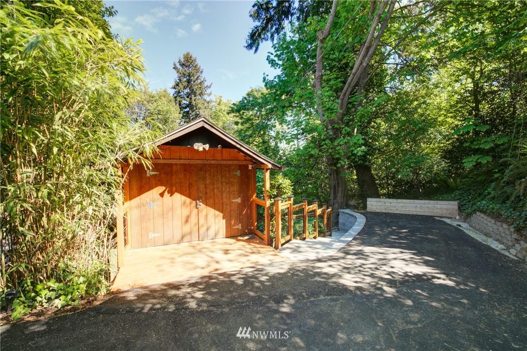 Sold Property | 13084 40th Ave. NE Seattle, WA 98125 3