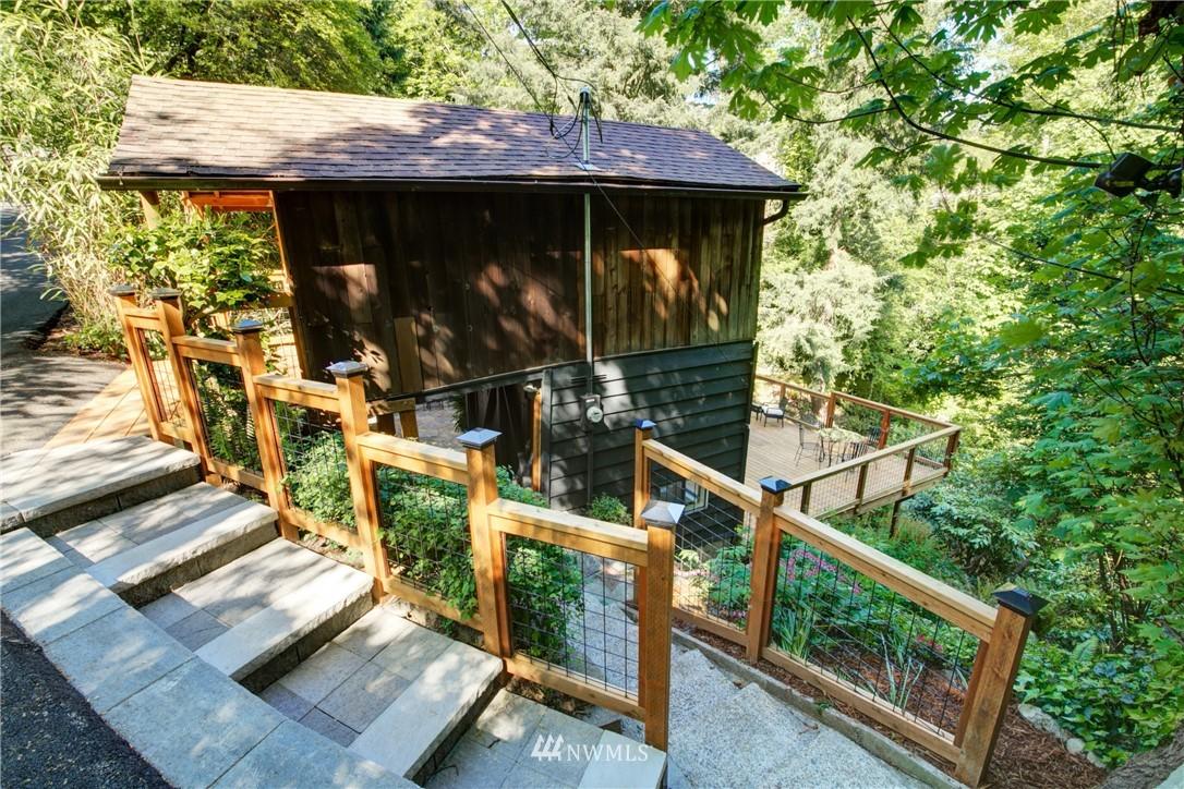 Sold Property | 13084 40th Ave. NE Seattle, WA 98125 4