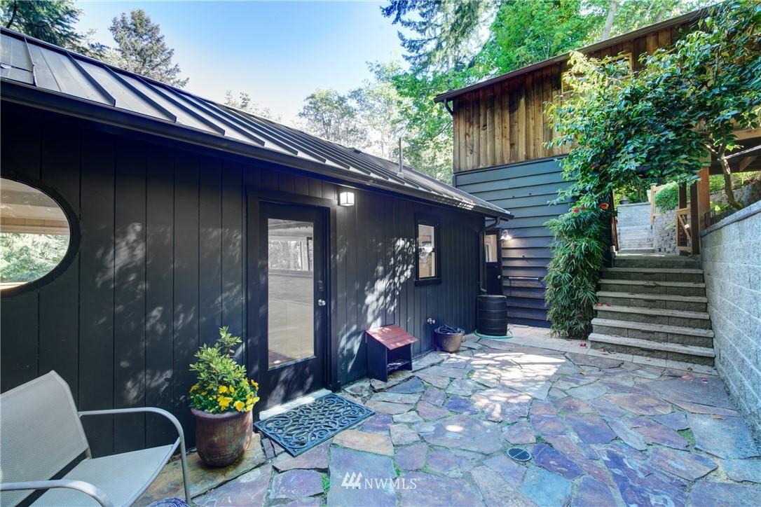Sold Property | 13084 40th Ave. NE Seattle, WA 98125 7