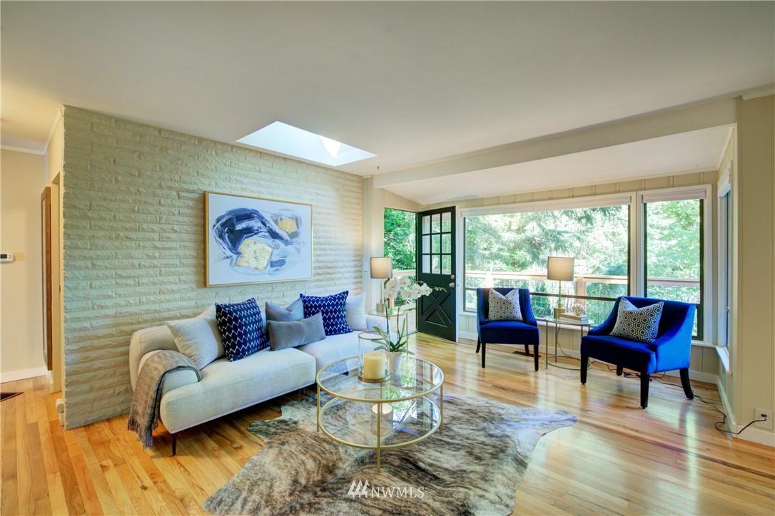 Sold Property | 13084 40th Ave. NE Seattle, WA 98125 8
