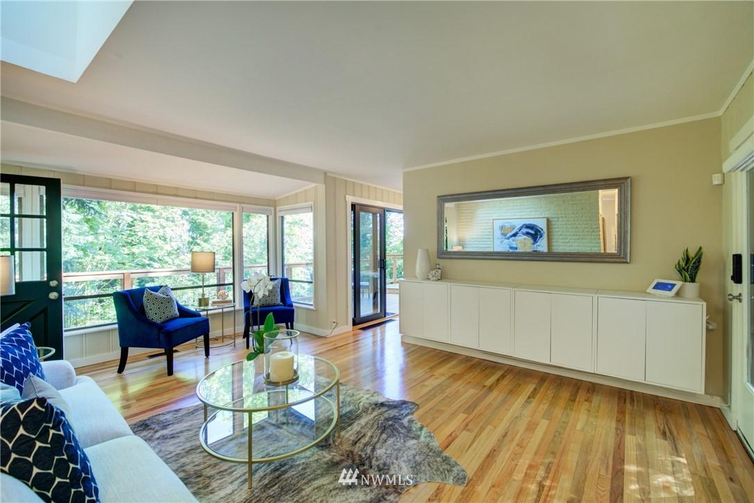 Sold Property | 13084 40th Ave. NE Seattle, WA 98125 9