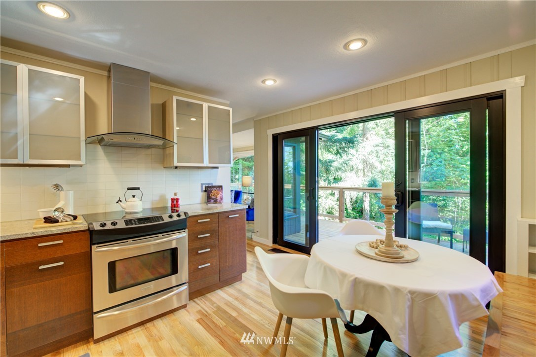 Sold Property | 13084 40th Ave. NE Seattle, WA 98125 14