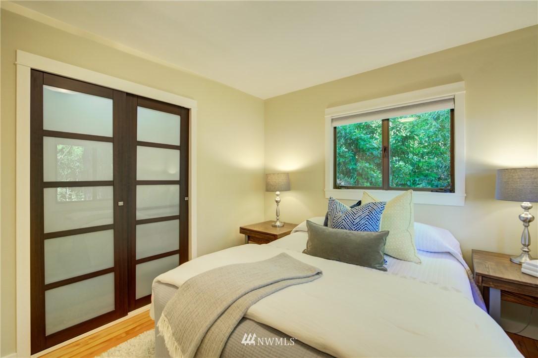 Sold Property | 13084 40th Ave. NE Seattle, WA 98125 17