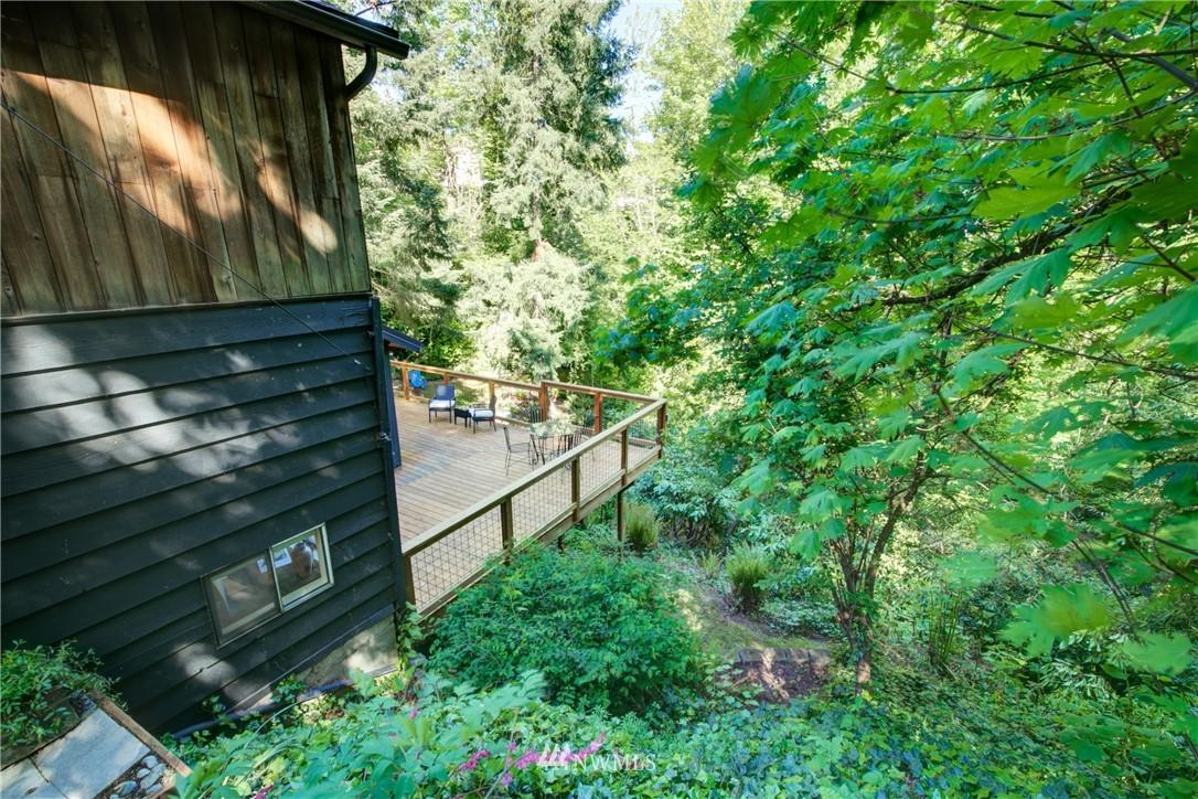 Sold Property | 13084 40th Ave. NE Seattle, WA 98125 5