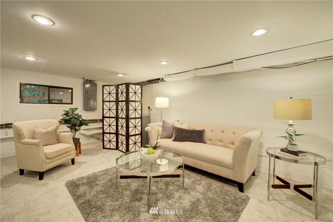 Sold Property | 13084 40th Ave. NE Seattle, WA 98125 23