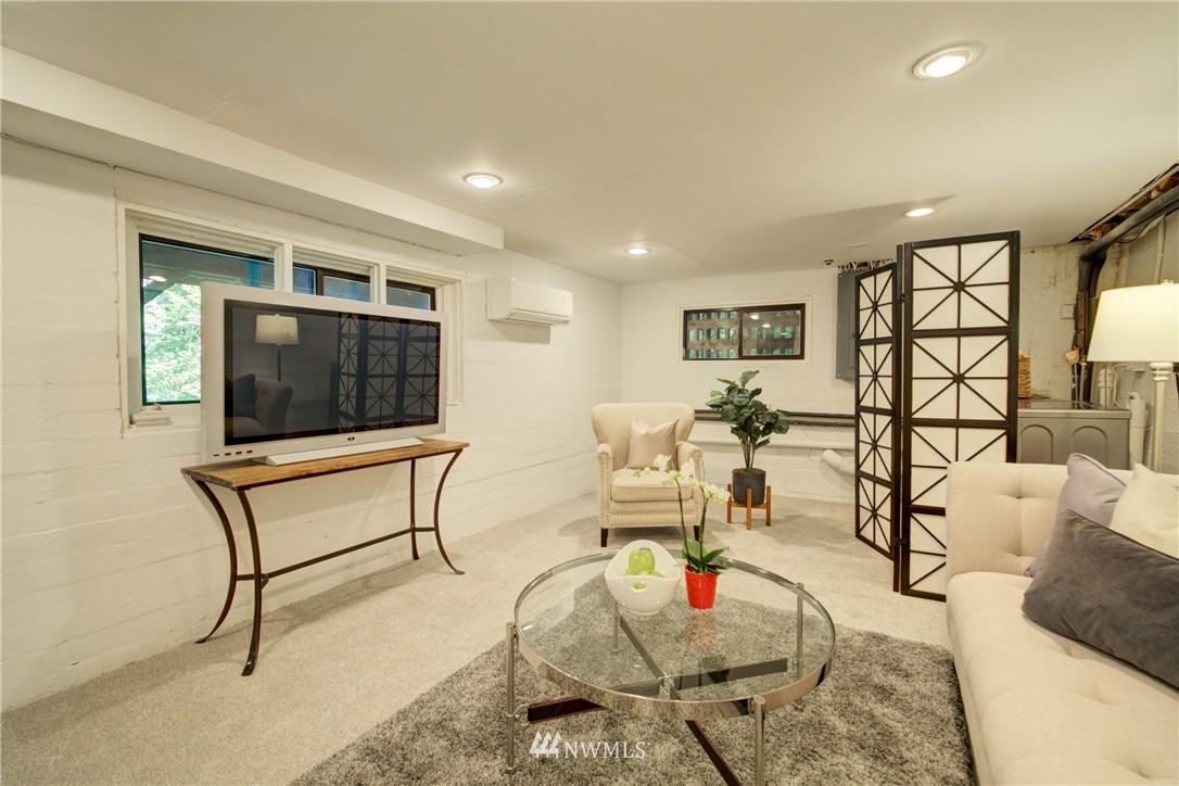 Sold Property | 13084 40th Ave. NE Seattle, WA 98125 24
