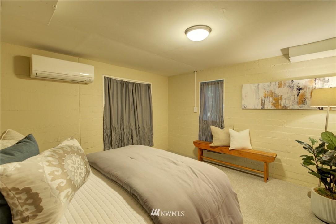 Sold Property | 13084 40th Ave. NE Seattle, WA 98125 25