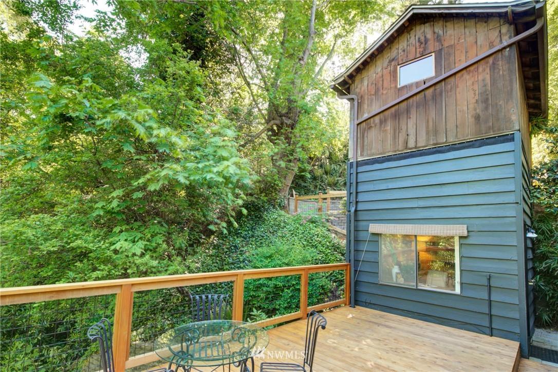 Sold Property | 13084 40th Ave. NE Seattle, WA 98125 28