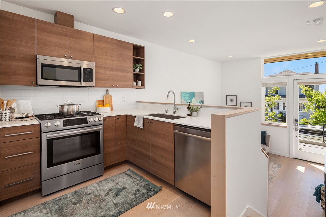 Sold Property | 2112 13th Avenue S #A Seattle, WA 98144 7