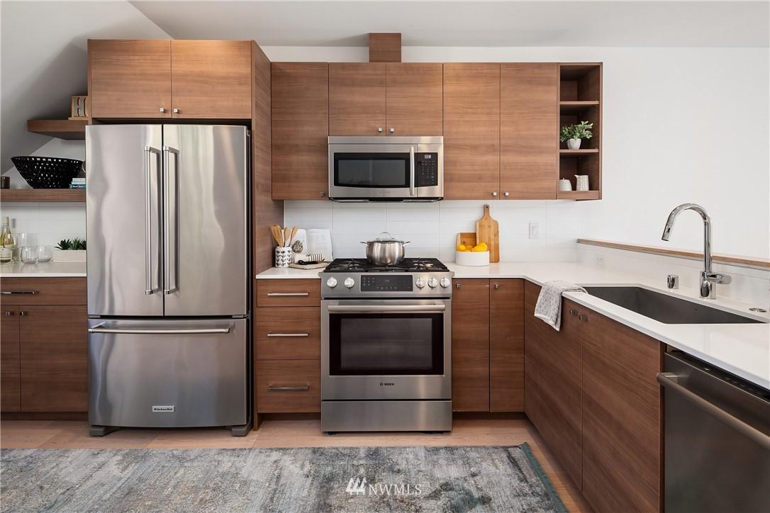Sold Property | 2112 13th Avenue S #A Seattle, WA 98144 8