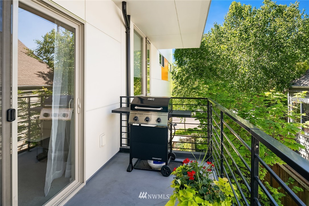 Sold Property | 2660 NW 59th Street Seattle, WA 98107 12