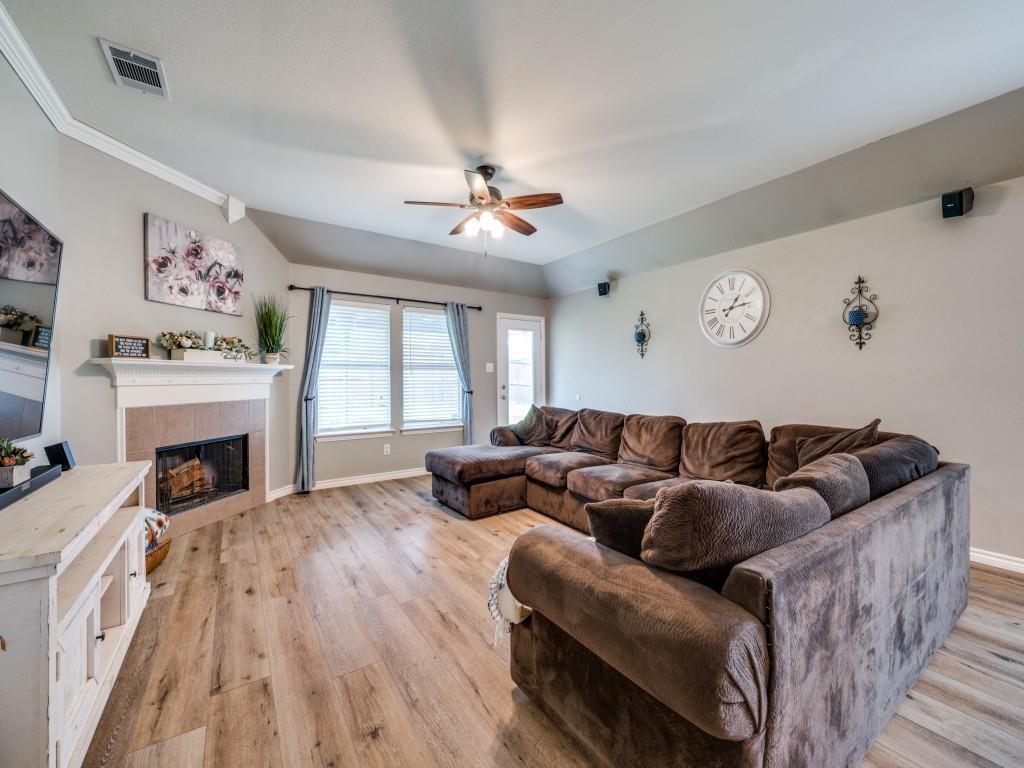 Sold Property | 829 Creekside Drive Little Elm, Texas 75068 11