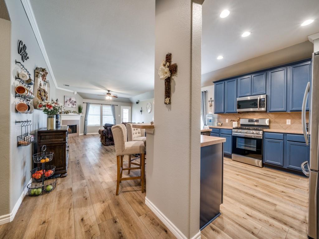 Sold Property | 829 Creekside Drive Little Elm, Texas 75068 4