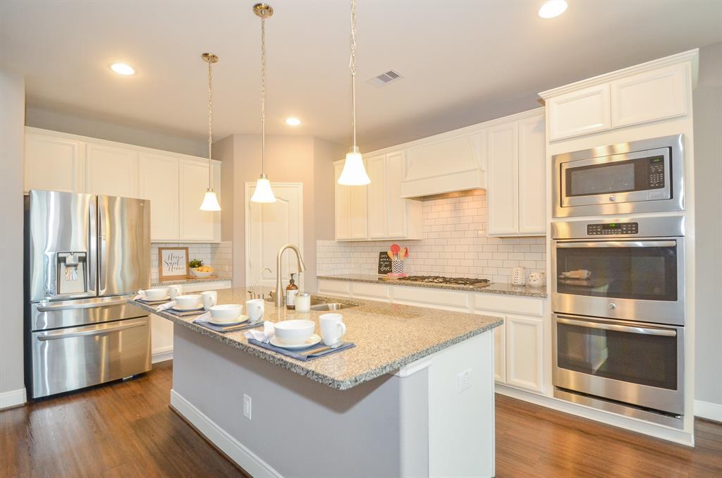 Option Pending   2511 Deerwood Heights Lane Manvel, Texas 77578 10