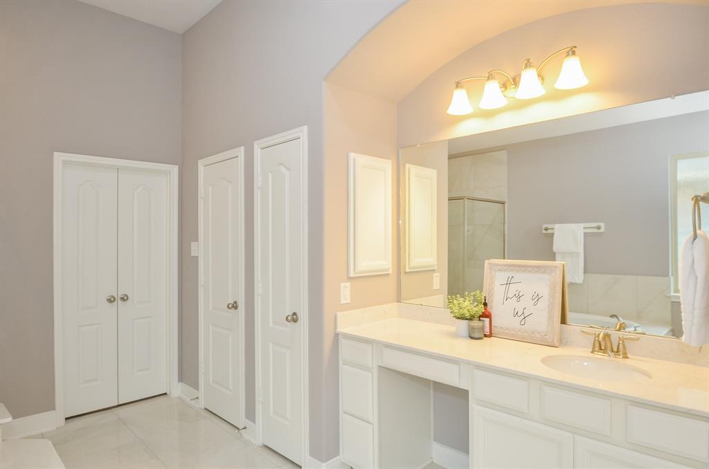 Option Pending   2511 Deerwood Heights Lane Manvel, Texas 77578 15