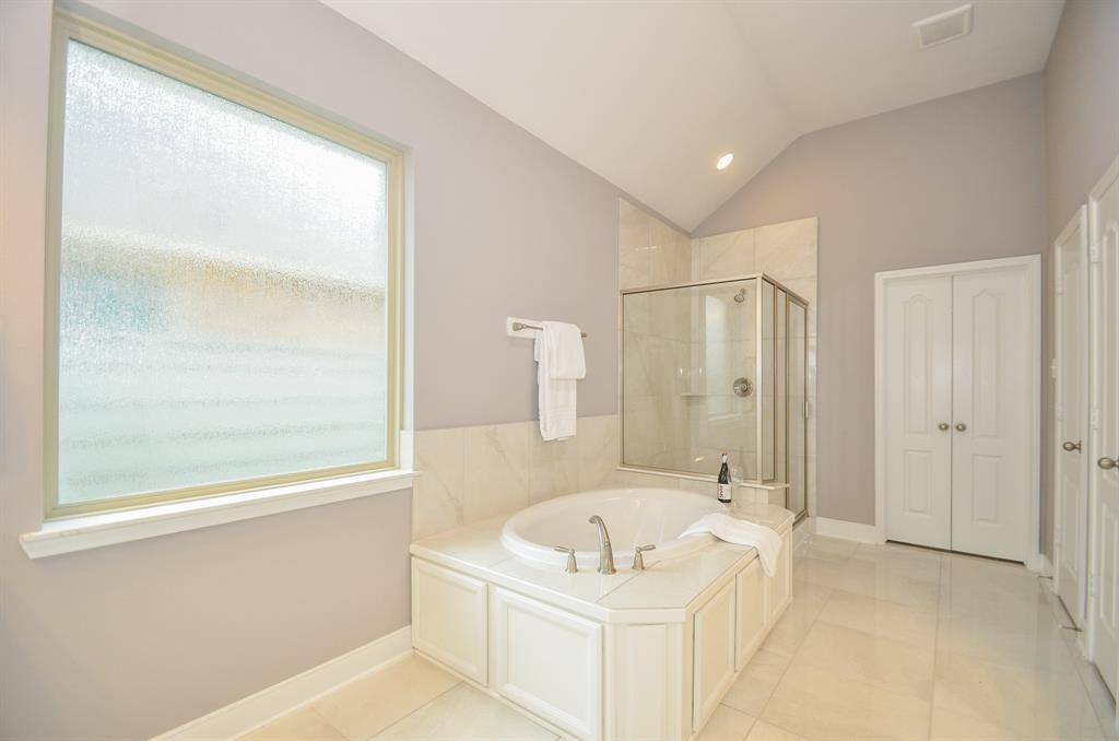Option Pending   2511 Deerwood Heights Lane Manvel, Texas 77578 17