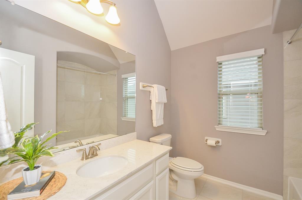 Option Pending   2511 Deerwood Heights Lane Manvel, Texas 77578 23