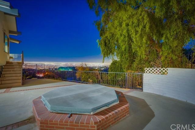 Active | 16 Deerhill Drive Rolling Hills Estates, CA 90274 3