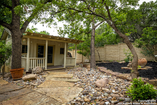 Active | 94 MISSION DR New Braunfels, TX 78130 35