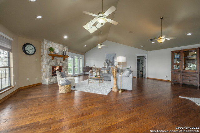 Active | 94 MISSION DR New Braunfels, TX 78130 7