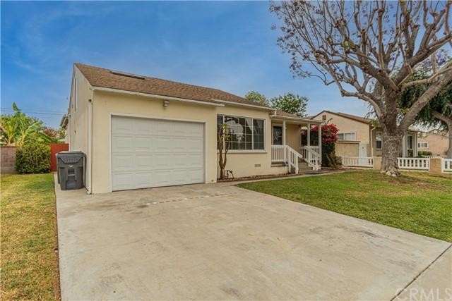 Pending | 5108 Lorelei Avenue Lakewood, CA 90712 2
