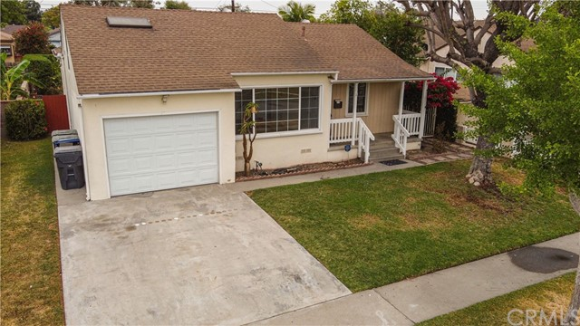 Pending | 5108 Lorelei Avenue Lakewood, CA 90712 3