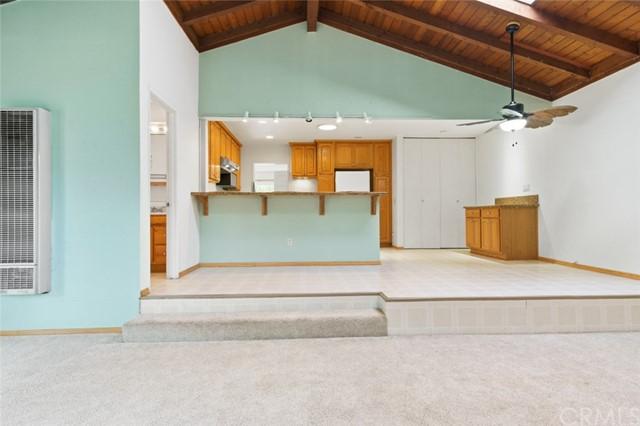 Pending | 5108 Lorelei Avenue Lakewood, CA 90712 18