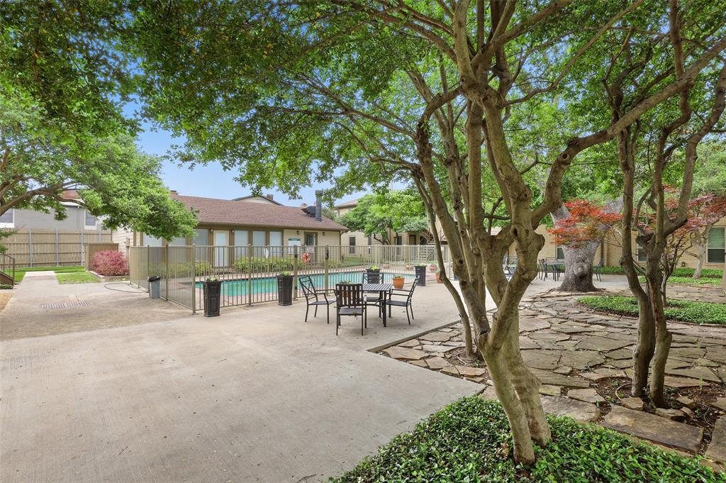 Pending | 10650 Steppington Drive #143 Dallas, Texas 75230 28