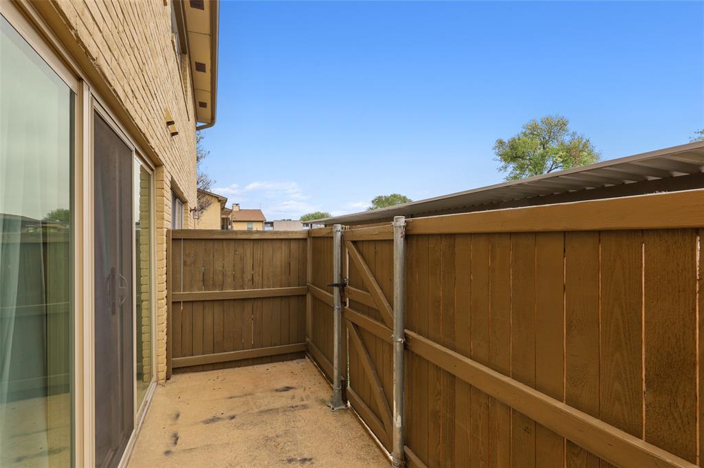 Pending | 10650 Steppington Drive #143 Dallas, Texas 75230 34