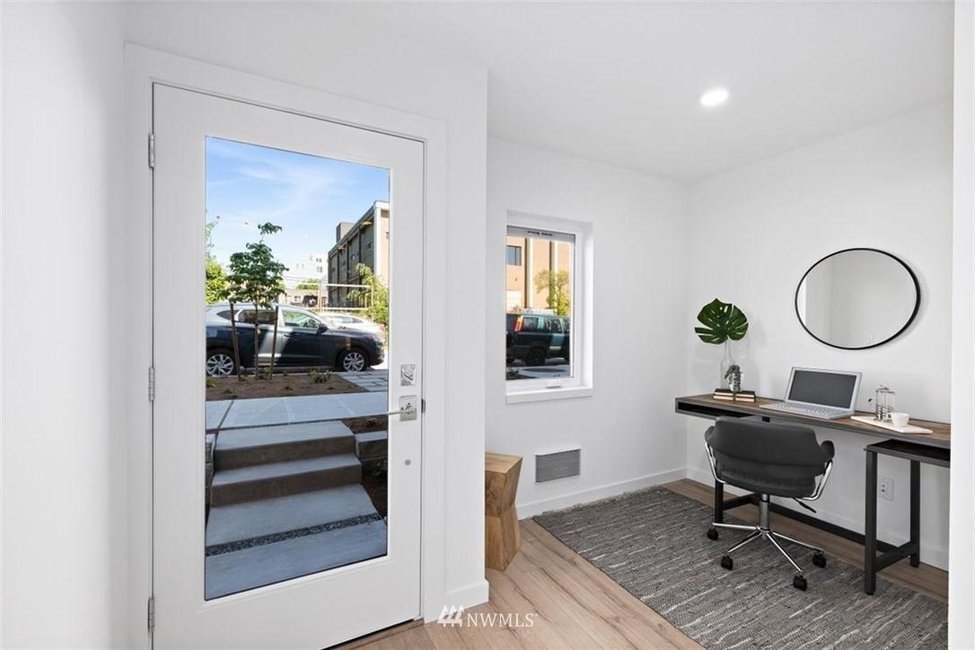 Sold Property | 6309 9th Avenue NE #F Seattle, WA 98115 4