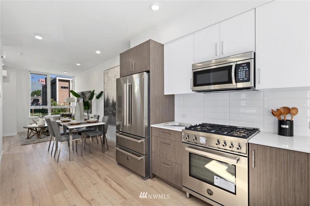 Sold Property | 6309 9th Avenue NE #F Seattle, WA 98115 12