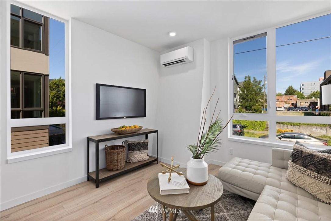 Sold Property | 6309 9th Avenue NE #F Seattle, WA 98115 18