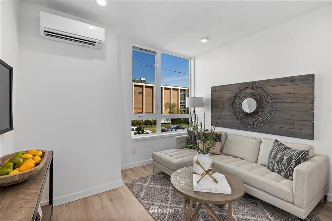 Sold Property | 6309 9th Avenue NE #F Seattle, WA 98115 19