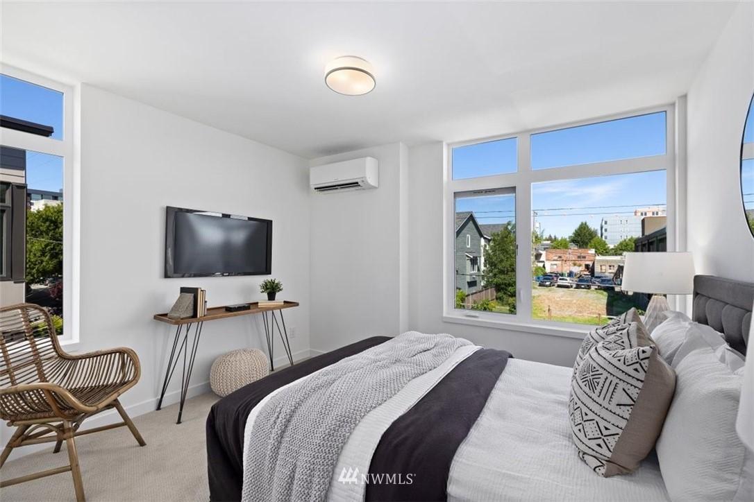 Sold Property | 6309 9th Avenue NE #F Seattle, WA 98115 23