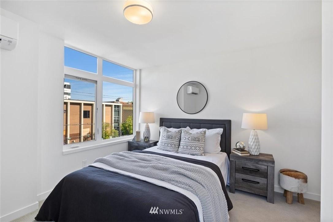 Sold Property | 6309 9th Avenue NE #F Seattle, WA 98115 24