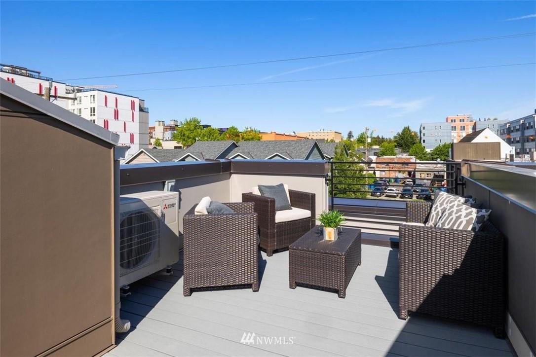 Sold Property | 6309 9th Avenue NE #F Seattle, WA 98115 32