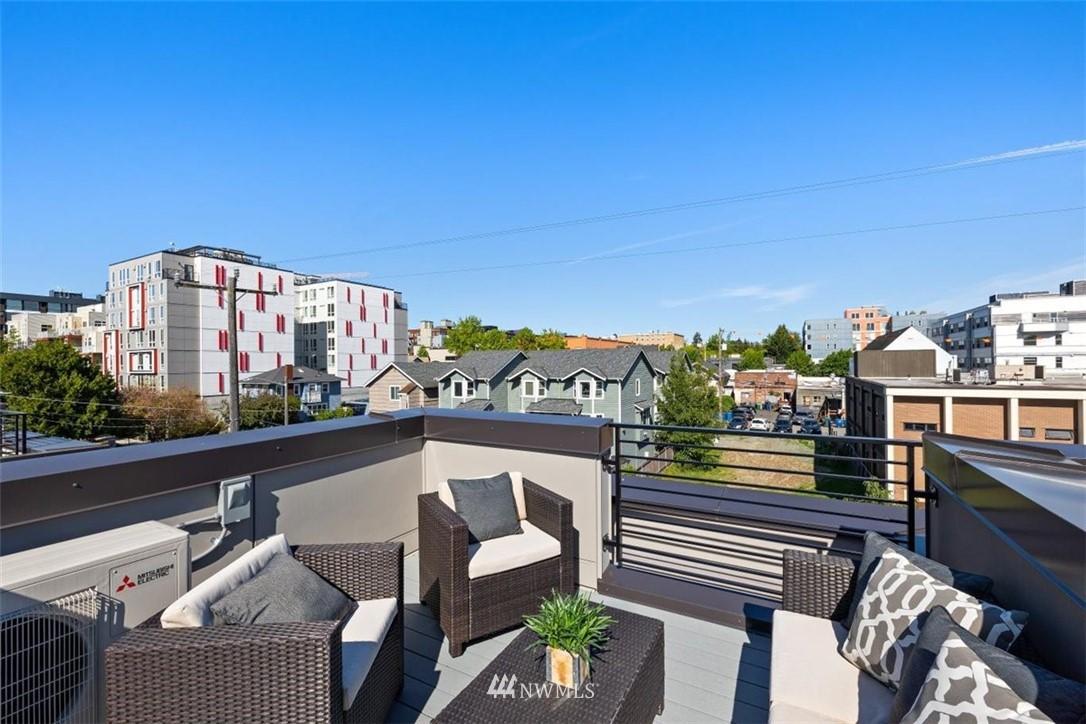 Sold Property | 6309 9th Avenue NE #F Seattle, WA 98115 33