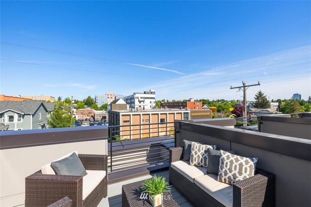 Sold Property | 6309 9th Avenue NE #F Seattle, WA 98115 34