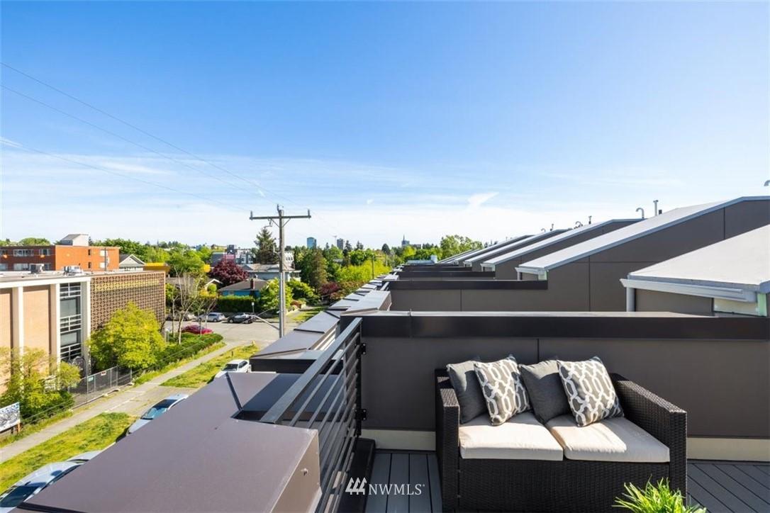 Sold Property | 6309 9th Avenue NE #F Seattle, WA 98115 35
