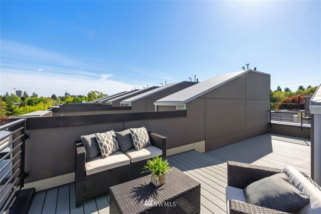 Sold Property | 6309 9th Avenue NE #F Seattle, WA 98115 36